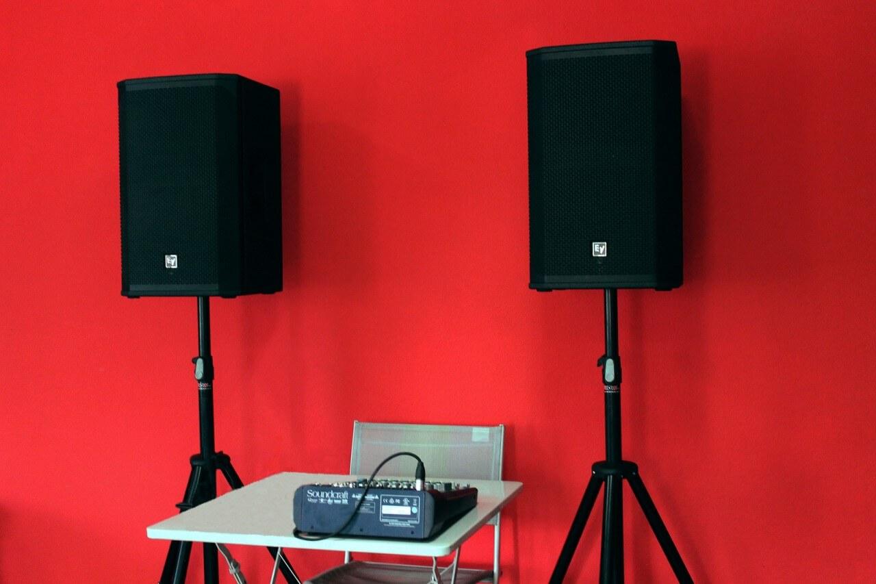 Аренда звукового комплекта EV ELX12p+микшерный пульт в Украине